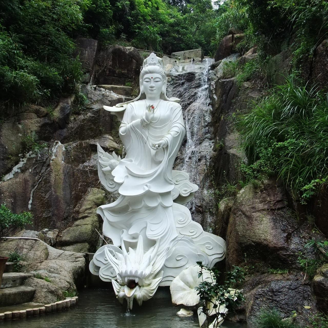 Bouddha dans la cascade un voyage de 1000 lieues for Fontaine exterieur bouddha