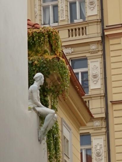 Statue pensive_2015_01